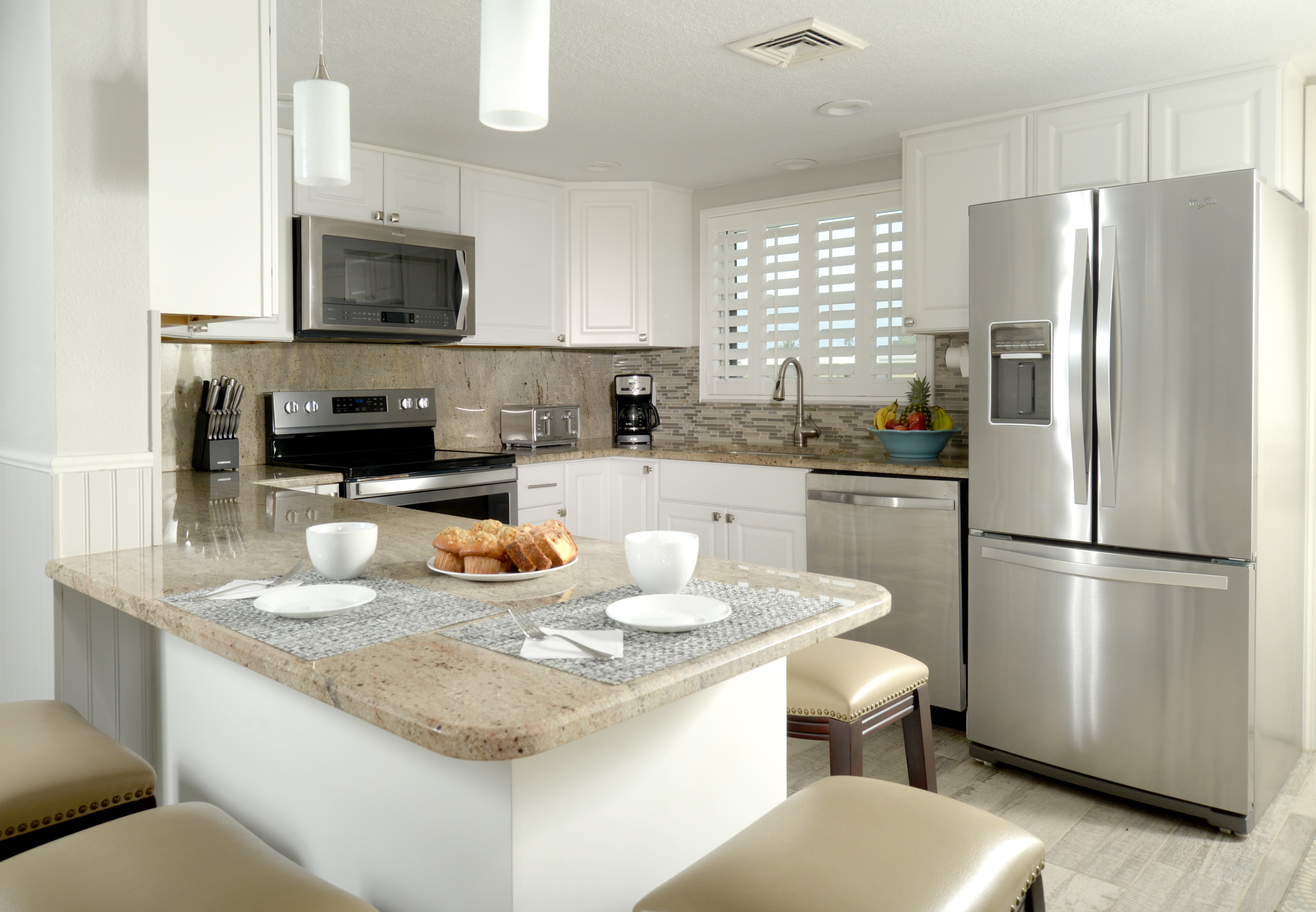2 Bedroom Suite Kitchen