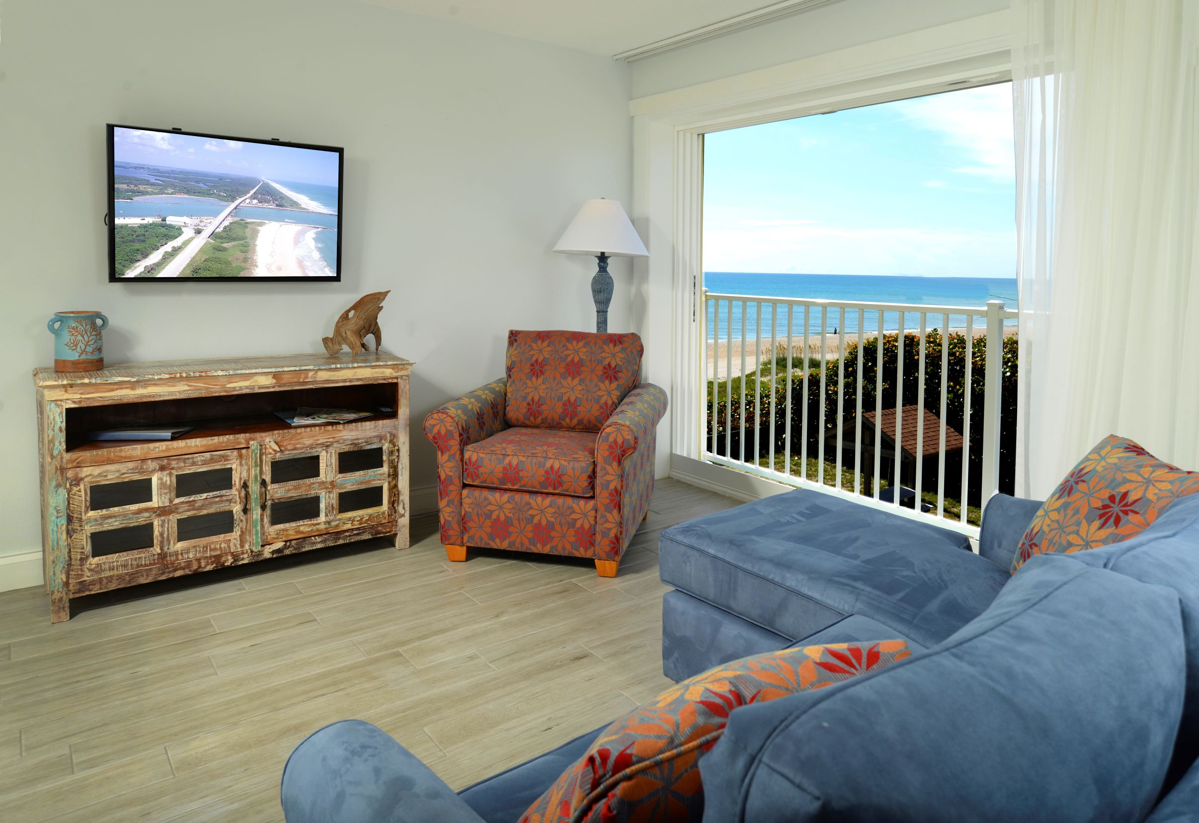 3rd Floor Ocean Side King Suite